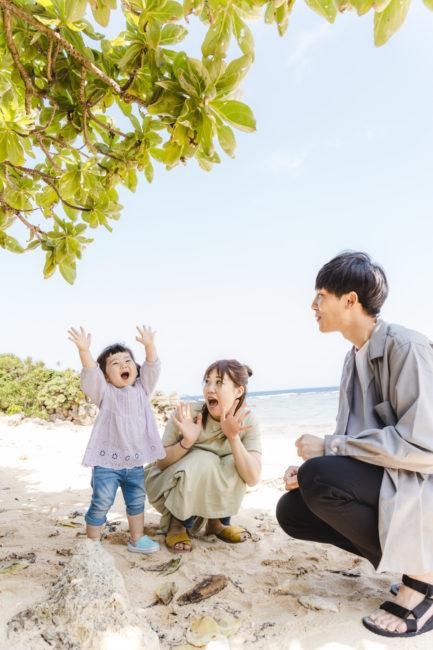 ビーチや公園で家族撮影